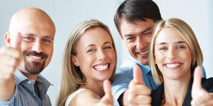 Napshell-zufriedene-glückliche-Mitarbeiter